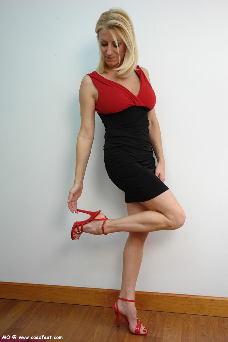 legs mini skirt high heels images